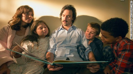 Mandy Moore as Rebecca, Mackenzie Hancsicsak as Kate, Milo Ventimiglia as Jack, Parker Bates as Kevin, Lonnie Chavis as Randall in NBC's 'This is Us.'