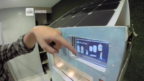 cnnee pkg rey rodrioguez reciclobot maquina medio ambiente_00001710