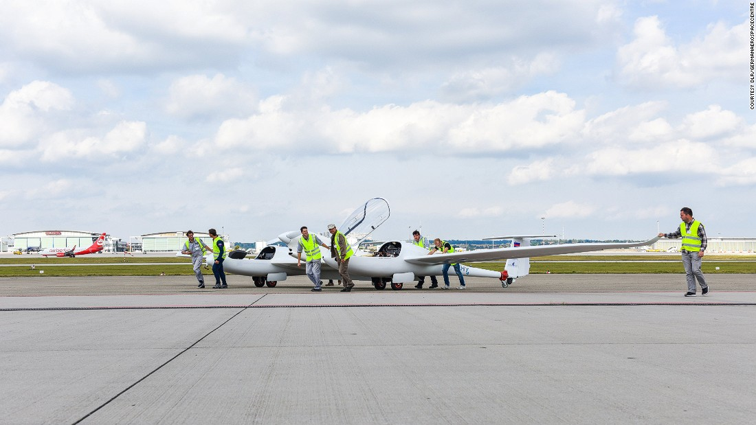 HY4 uses hydrogen to generate electricity in flight.