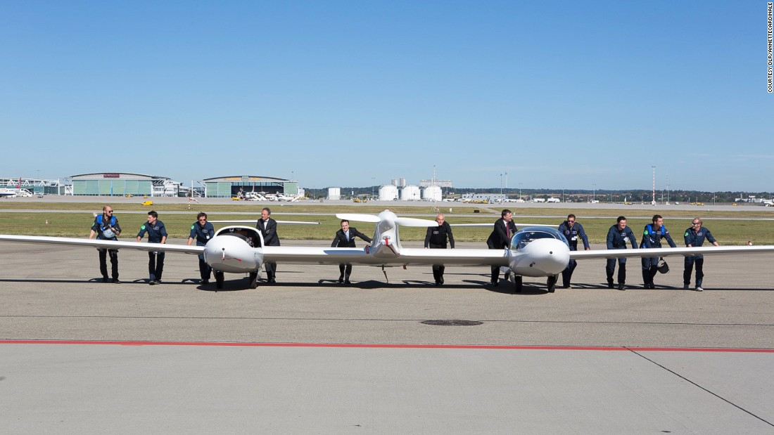 The twin-cabin plane known as HY4 uses a hybrid system of hydrogen fuel cells and a lithium battery to fly.