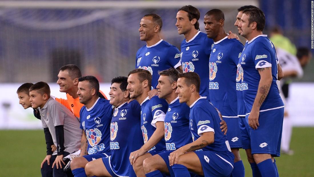 "The Argentine legend starred for the ""Blue Team"" alongside Italian legends Francesco Totti and Antonio Di Natale and former Brazilian defender Cafu. The team boasted 564 international caps."