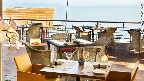 La Table de Palafitte: Waterside dining.