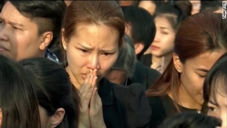 thai king bhumibol adulyadej ceremony ripley pkg_00001628