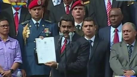 cnnee pkg osmary presupuesto 2017 por decreto maduro venezuela_00003423