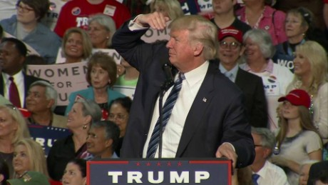 donald trump teleprompters charlotte nc rally bts_00001928.jpg
