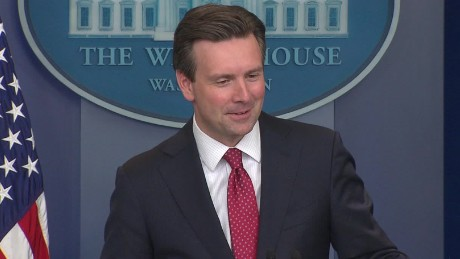 josh earnest donald trump sniffing debate sot_00001816.jpg