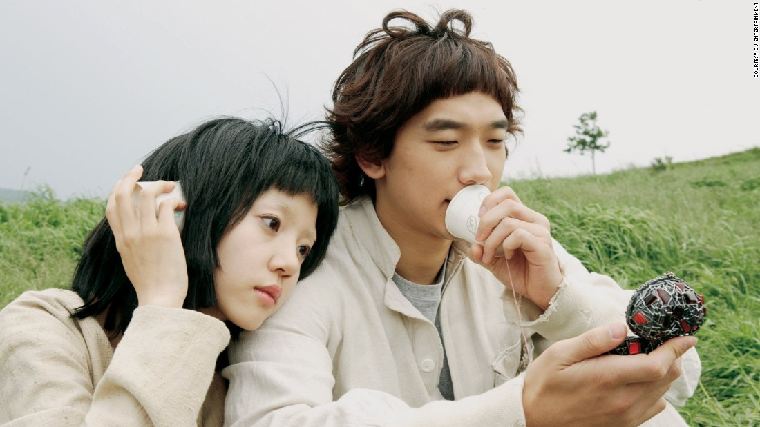 Turning his hand to romantic comedy, Park used a mental institute as a backdrop for the burgeoning relationship between a young suicidal woman who believes she's a cyborg, and a schizophrenic kleptomaniac who claims he can steal aspects of people's personalities.
