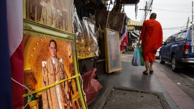 Thailand's year of mourning begins