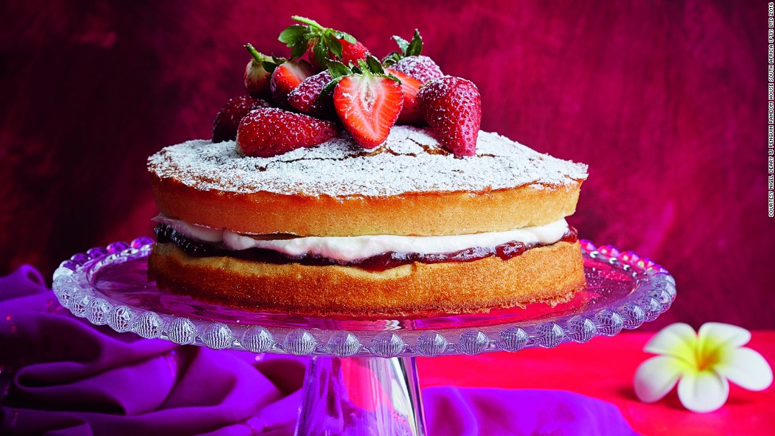 Those wanting a bit more sweetness may like to try the Cape Malay version of the British classic Victoria sponge, served with fresh cream and strawberries.