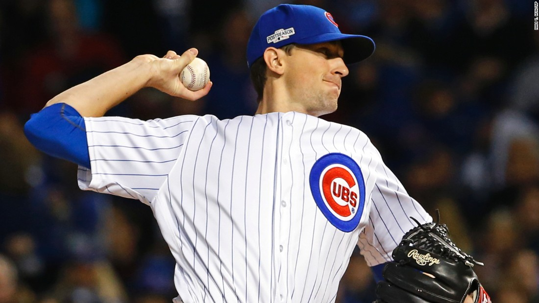 Cubs starting pitcher Kyle Hendricks throws during the first inning.