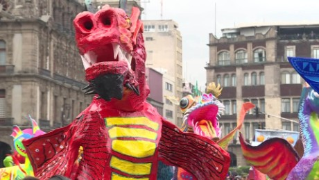 cnnee pkg desfile de alebrijes en mexico 2016_00000000