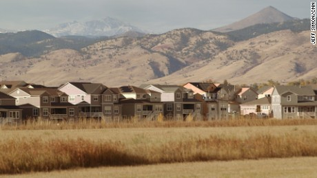 Houses near the Rocky Mountain range in Longmont, Colorado.