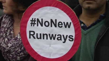 new runway heathrow pkg mclaughlin _00005524