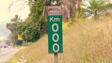 cnnee pkg hernandez venezuela 16km a la casa blanca _00000821