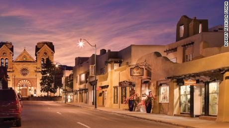 Best Historic Hotel (76-200 Guestrooms): La Fonda on the Plaza (1922) Santa Fe, New Mexico