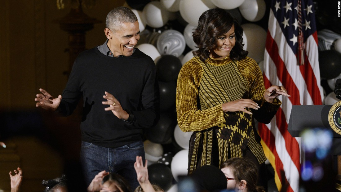 Obamas dance to 39 thriller 39 at white house halloween cnn for Avorter seule a la maison