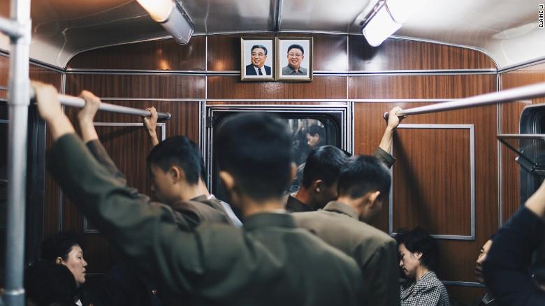 Αποτέλεσμα εικόνας για Ένα μετρό σκέτο παλάτι στην πρωτεύουσα της Βόρειας Κορέας, την Πιονγιάνγκ