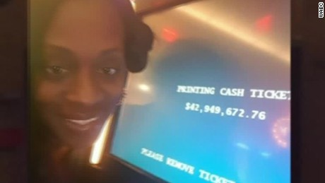 woman wins casino machine malfunction pkg_00001230.jpg