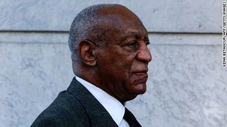 Comedian Bill Cosby arrives at the Montgomery County courthouse for a trial hearings in the sexual assault case against him in Norristown, Pennsylvania on November 2, 2016. / AFP / KENA BETANCUR        (Photo credit should read KENA BETANCUR/AFP/Getty Images)