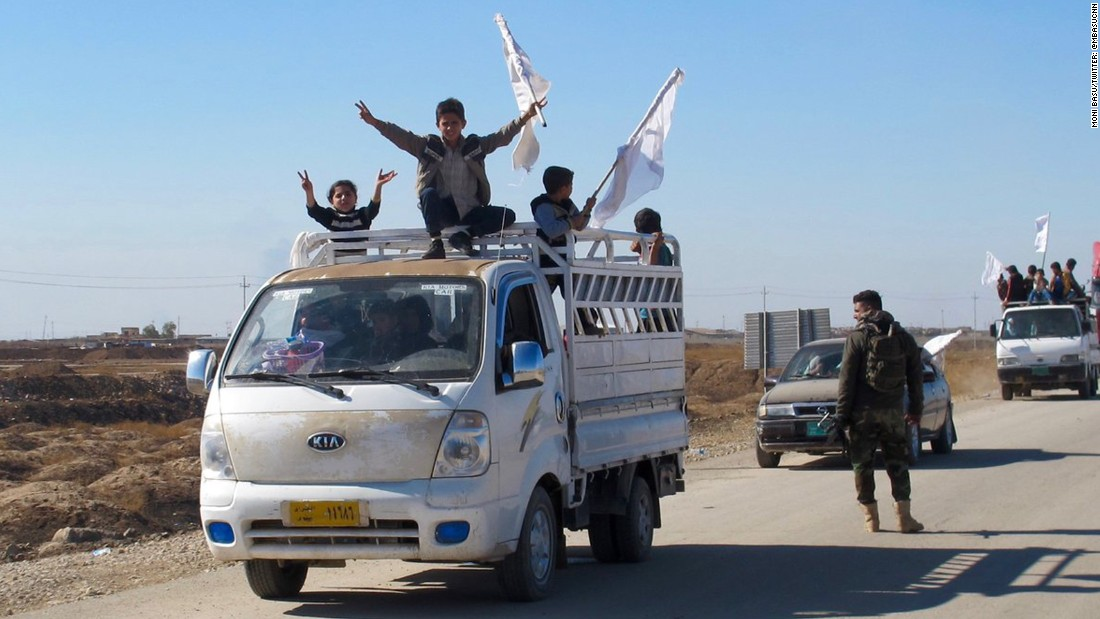 People fleeing Mosul took the main highway from Nineveh to Kurdistan.