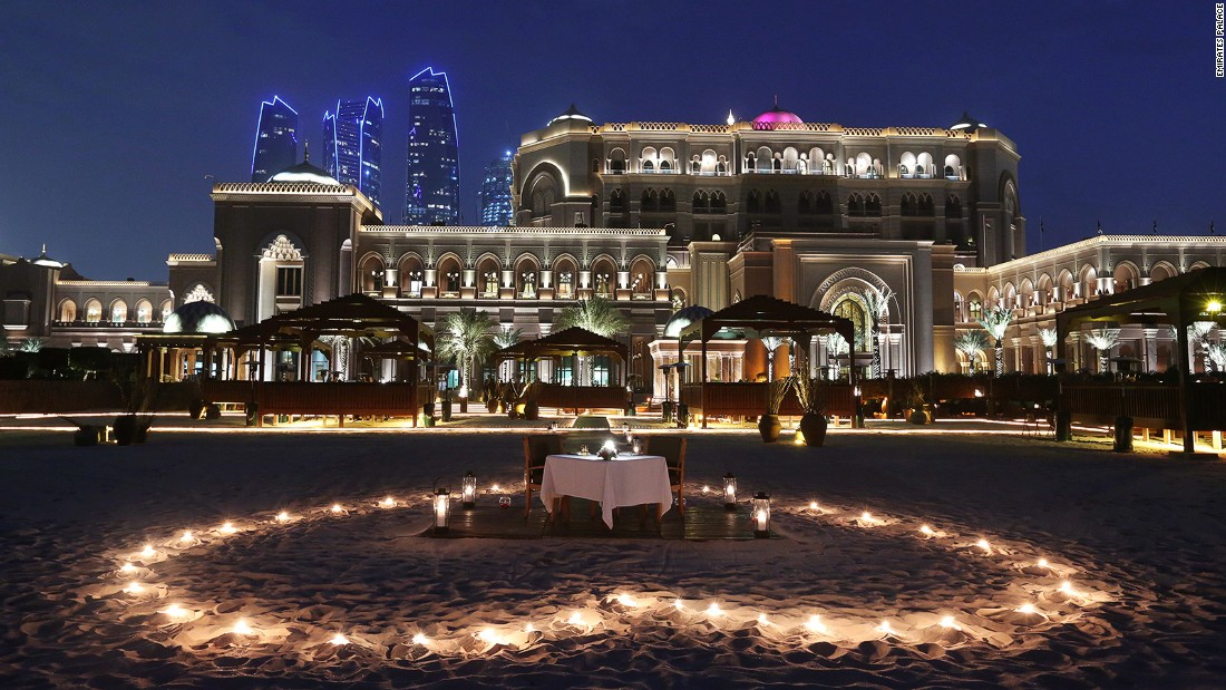 At the Emirates Palace hotel, a private picnic package offers the chance to dine on 1.3 kilometers of white beach surrounded by rose petals, or in one of countless secluded gazebos dotted around the venue's one million square meters of manicured grounds.<br />