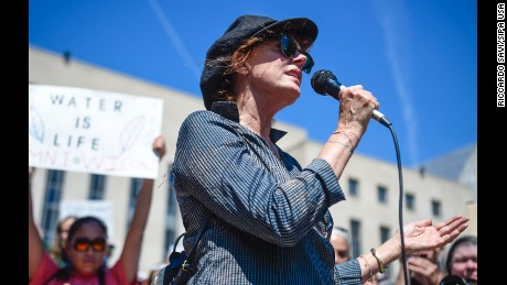 Susan Sarandon has participated in demonstrations against the Dakota Access Pipeline.
