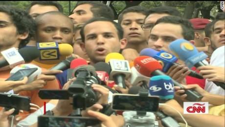 cnnee intvw cafe hasler iglesias venezuela marchas universitarios _00000000
