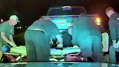 Officer performs cpr speeding car HLN_00001009