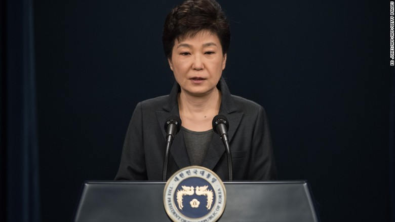 South Korean President Park Geun-hye apologizes last week to the nation.