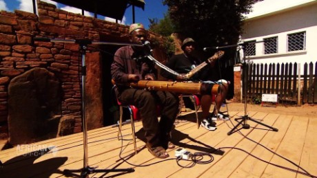 african voices performance power b _00022814