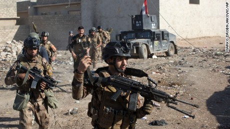 Iraqi special forces pause in Mosul push due to poor weather