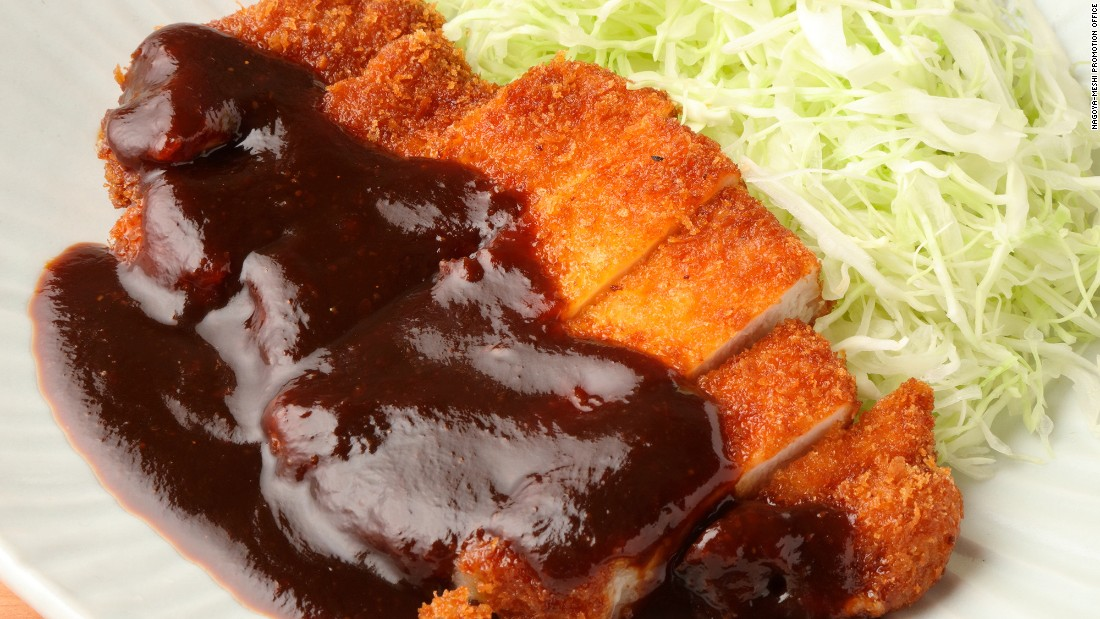 What makes Nagoya's miso unique is the use of dark-colored soybeans. In this dish, the aka-miso (red bean paste) is made into thick sauce by adding broth and seasonings then poured over a pork cutlet.