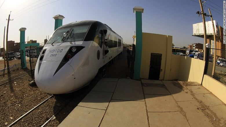 Sudan's very own Chinese railway opened in 2014. The so-called Nile Train is 782 kilometers long, extending from Port Sudan via Atbara to the capital, Khartoum.
