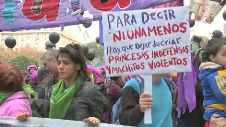 cnnee pkg sarmenti fin de semana argentina feminicidios_00010627