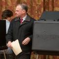 03 Tim Kaine voting