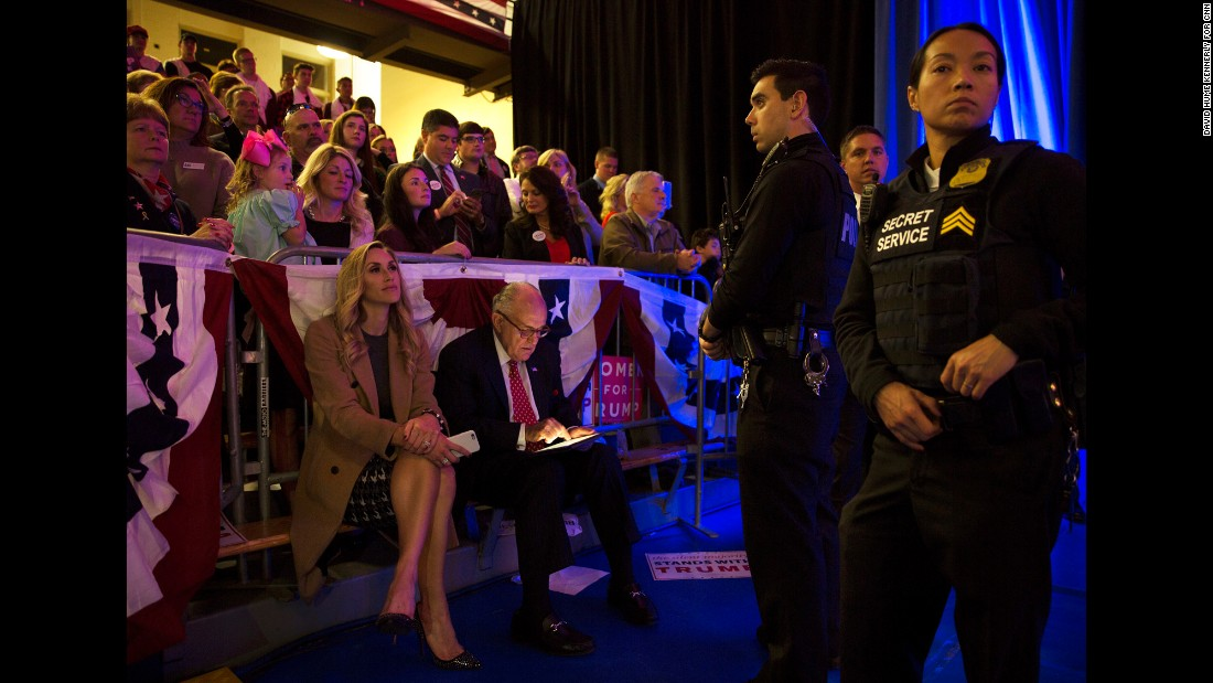 Trump daughter-in-law Lara Trump joins former New York Mayor Rudy Giuliani for the Scranton rally on November 7.