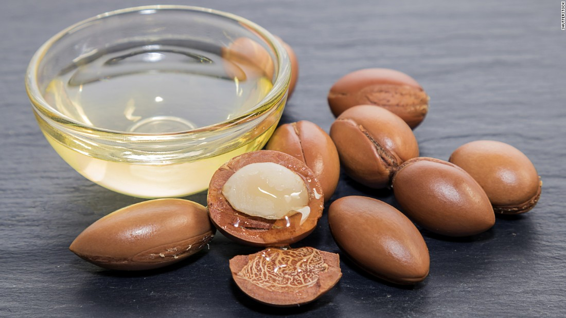 The kernels which are used to create the golden-colored oil are encased within an incredibly strong nut. For centuries locals used the oil for medicinal and culinary purposes, but now, people abroad have become increasingly interested in the oil for its cosmetic and nutritional properties.