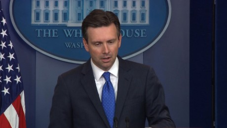 white house briefing earnest trump obama meeting bts_00005217
