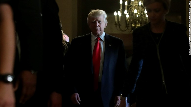 Trump backs off key Obamacare pledge