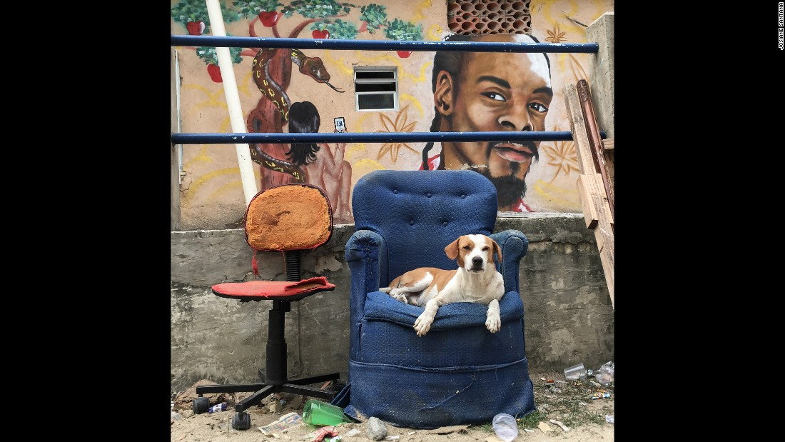 Santana wanted to capture the everyday moments and color in the walls of Complexo do Alemao. She hopes her home can be seen as something more than a dangerous place.
