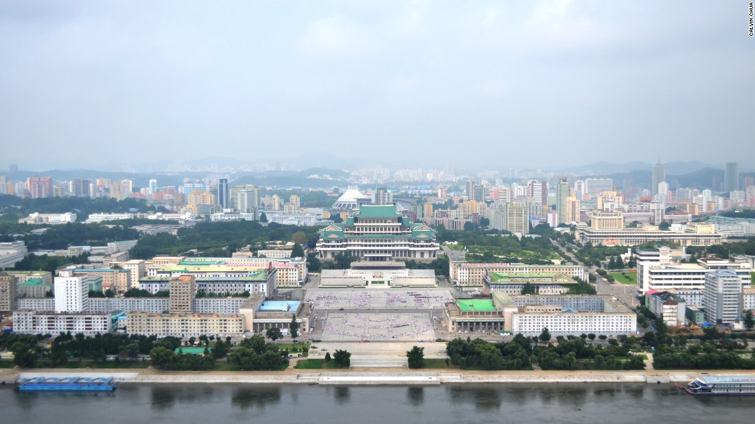 The main square in Pyongyang, Kim II Sung Square plays host to mass dances, performances and military parades.