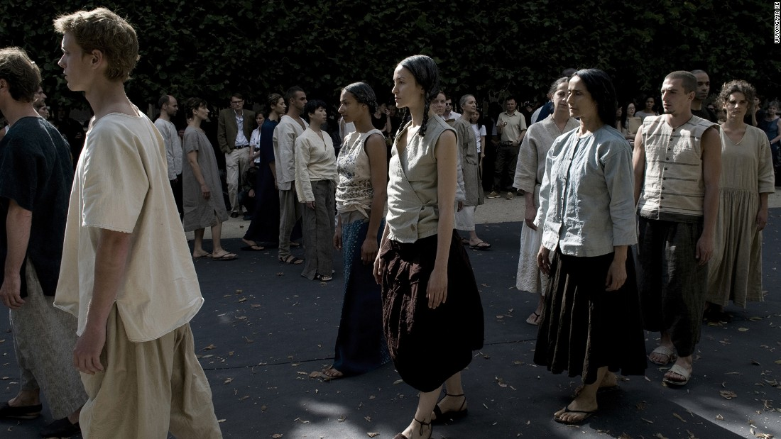 "Models of wear Ma Ke's ""Qingpin"" collection and march gracefully in the Palais Royal during Paris Haute Couture Week, 2008."