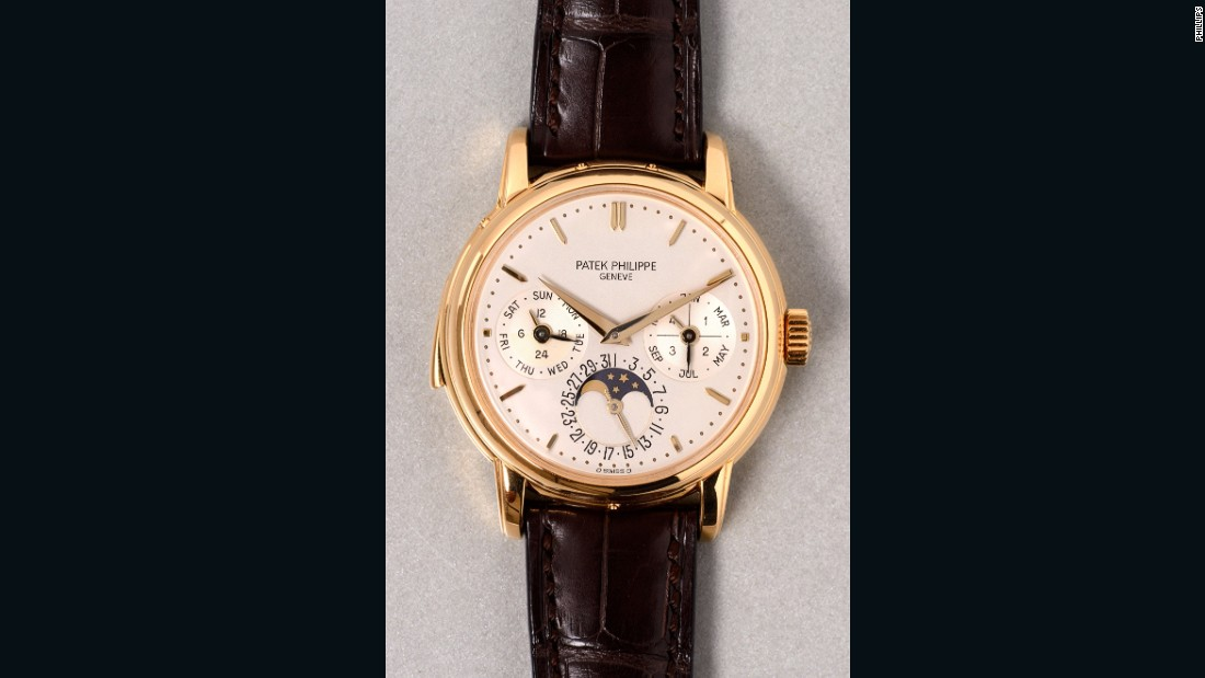 The Patek Philippe reference 3974 is a yellow gold, minute repeating, perpetual calendar wristwatch with phases of the moon. It went under the hammer for $519,140 (CHF 514,000).