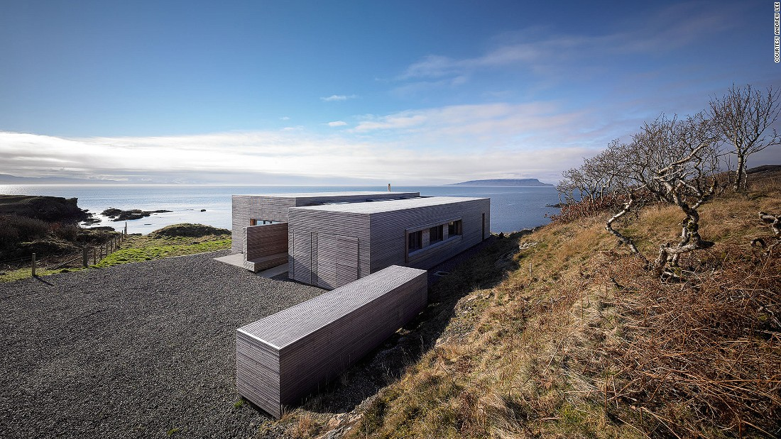 This Dualchas-designed house is located at the end of a road in Aird of Sleat on the southern tip of the Isle of Skye. The building is modern but also celebrates the local topography.