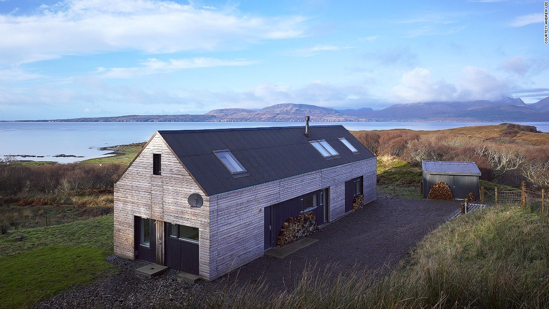 Tokavaig is Mary Arnold-Forster's most personal project -- it is the house she built for herself. Based on a simple agricultural shed, it features a stunning panoramic view of the Cuillin mountains, solar panels and the first grant-aided exhaust-air heat pump in Scotland.