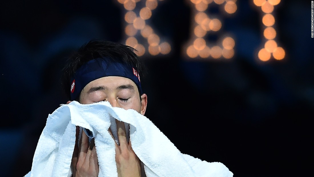 At one game apiece, the set was going with serve with Nishikori up 30-0 in the third. However, consecutive double faults altered the mood inside the 02 Arena entirely, handing the impetus to the Scotsman.