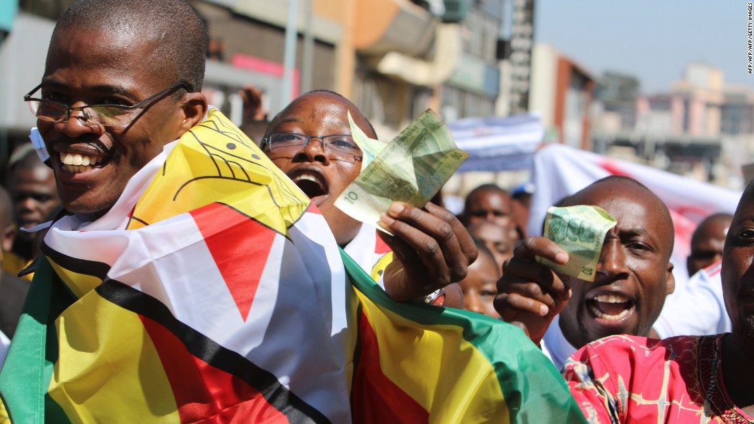 A cashless society is one option, but for it to  succeed Zimbabweans need to have confidence in the system and it needs to be reliable, say experts.