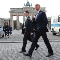 05 Obama Germany 1117