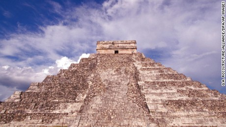 Mexico, Yucatan Chichen Itza, ruins el Castillo Photo by: G.A. Rossi/picture-alliance/dpa/AP Images