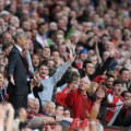 arsene wenger stands old trafford